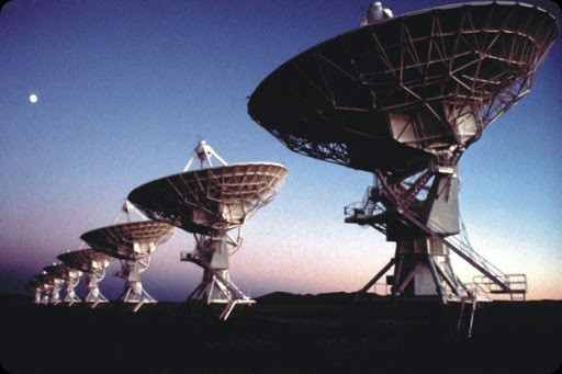 Teste analisa luz terrestre refletida na Lua; cientistas procuram combinações de gases considerados indícios de vida orgânica