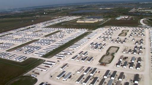 Um dos campos da FEMA nos EUA.