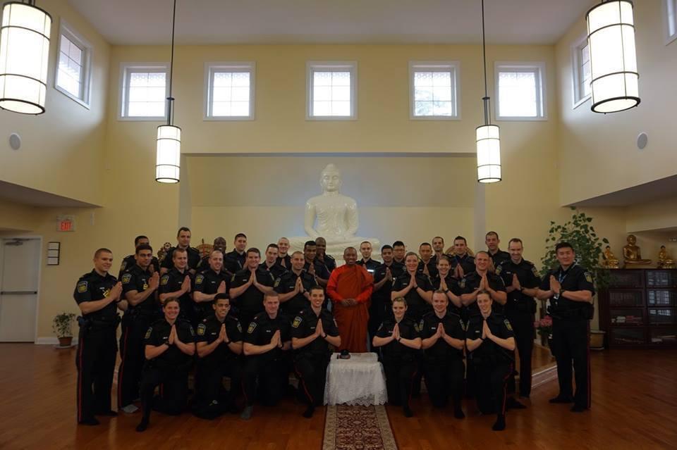 meditação-policiais-Canadá-2