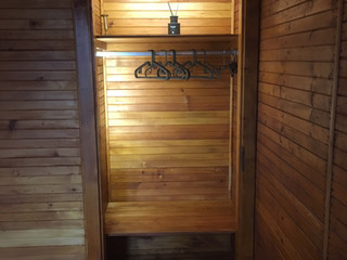 Somarelli Guesthouse Wandschrank