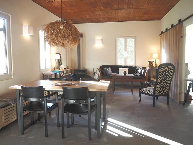 SOMARELLI Guesthouse, Wohn- Essbereich