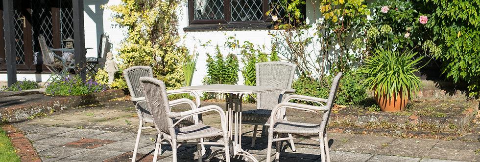 Bordeaux Table Set