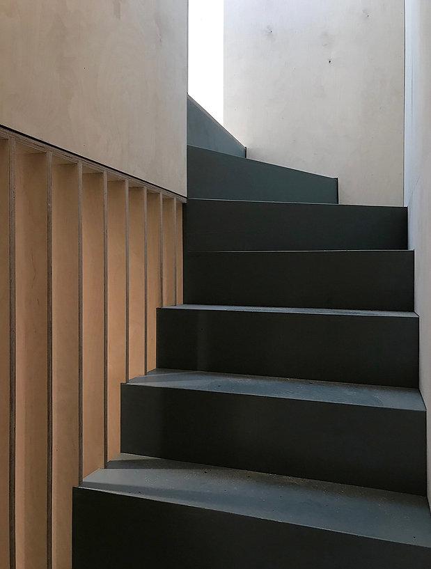LOWLANDS_stair2_25.01_edited.jpg
