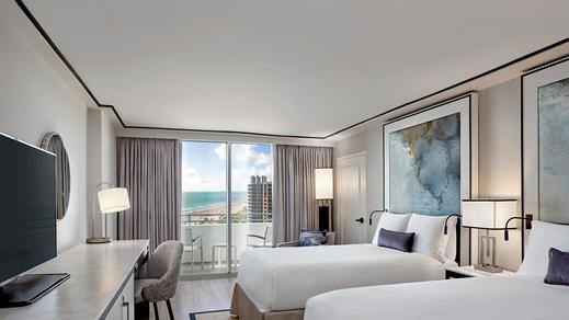 Bedroom3-LoewsMiamiBeachHotel-MiamiFl-CR