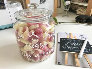 60 Second Wedding Hack - DIY Sweet Favour Jar