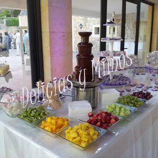 Fuente de chocolate y dulces en Finca Solivaret