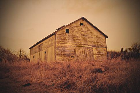 _MG_9609 - old barn orig.jpg