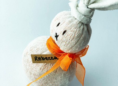 No-Sew Easter Sock Bunnies - Kids Crafts