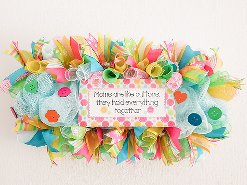 Moms are like buttons they hold everything together wreath decor mothers day gift Gateway Art Sales Abu Dhabi Dubai Al Ain