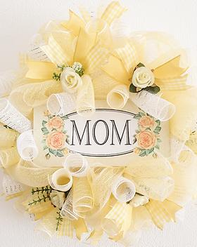 MOM wreath Happy Mothers Day Birthday door decor decoration yellow for sale in our online shop in Abu Dhabi Al Ain Dubai UAE Gateway Art Sales LLC