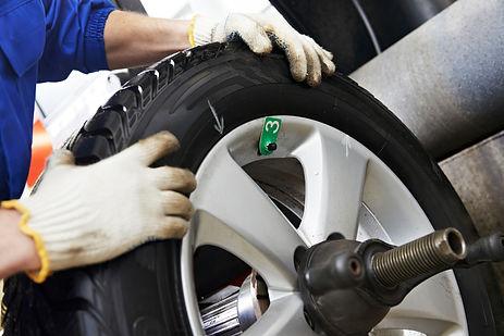 wheel balance balancing ipswich car van 4x4 fix repair imbalance inbalance not balanced