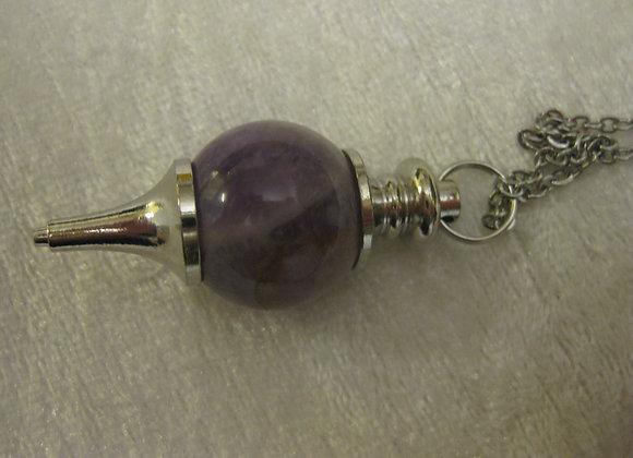 Pendulum i krystallen amethyst