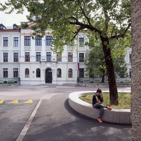 Poljane School Square