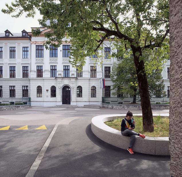 BUILT: Poljane School Square
