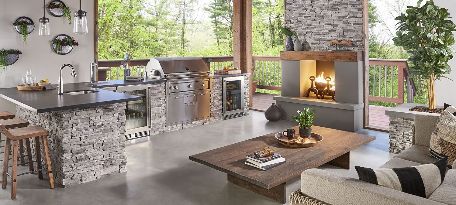 Silverlinings_StackedStone_OutdoorKitche