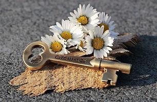 key-3087889_1920.jpg