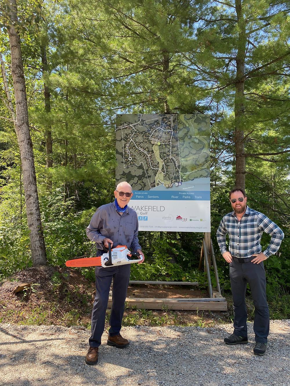 Left, Ken Bouchard, Sentiers Wakefield Trails president, with Louis Charles Touchet, a partner at Wakefield sur le Golf Development. Photo courtesy Ken Bouchard