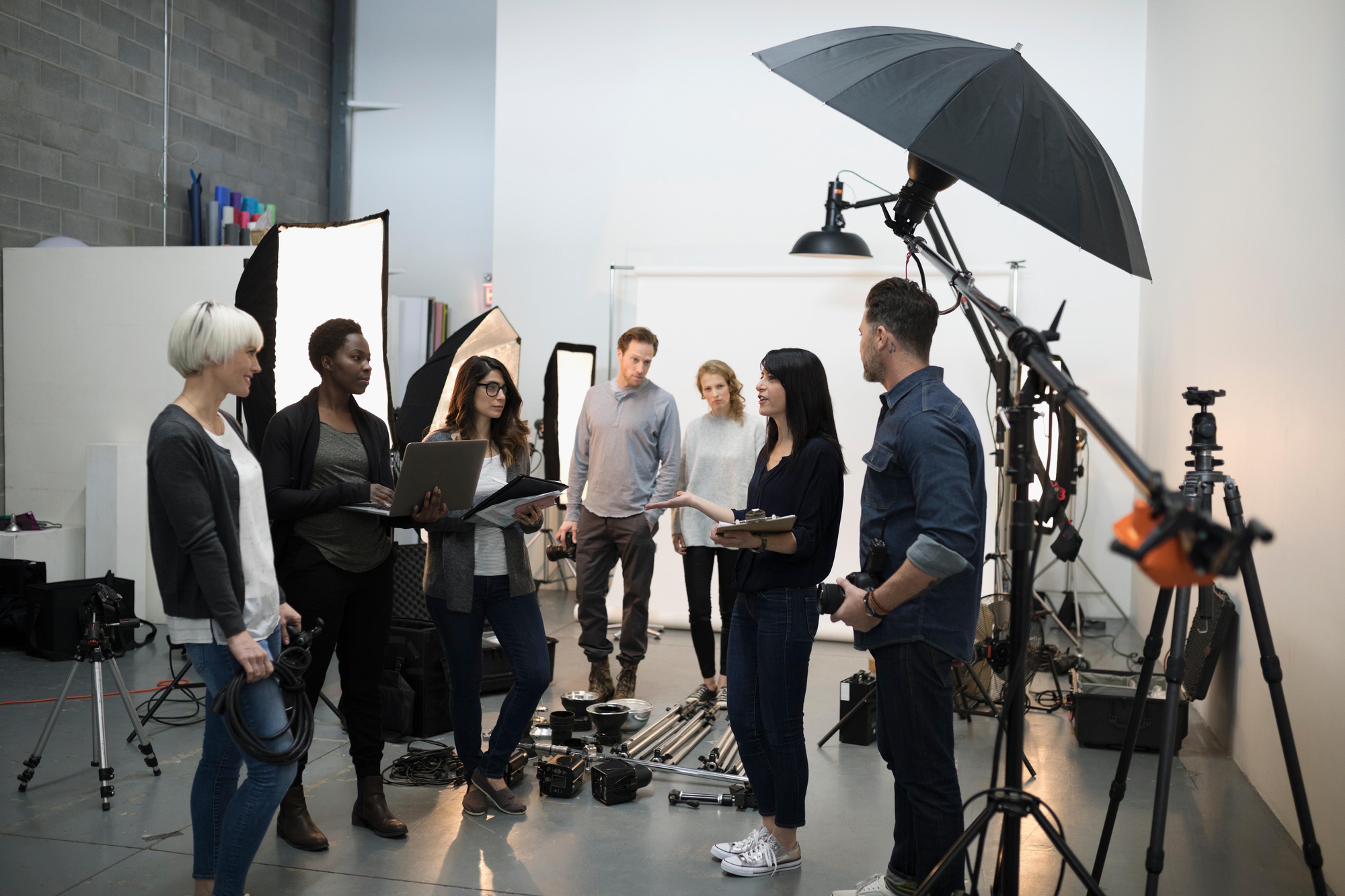 Produção de elenco e equipes de cena