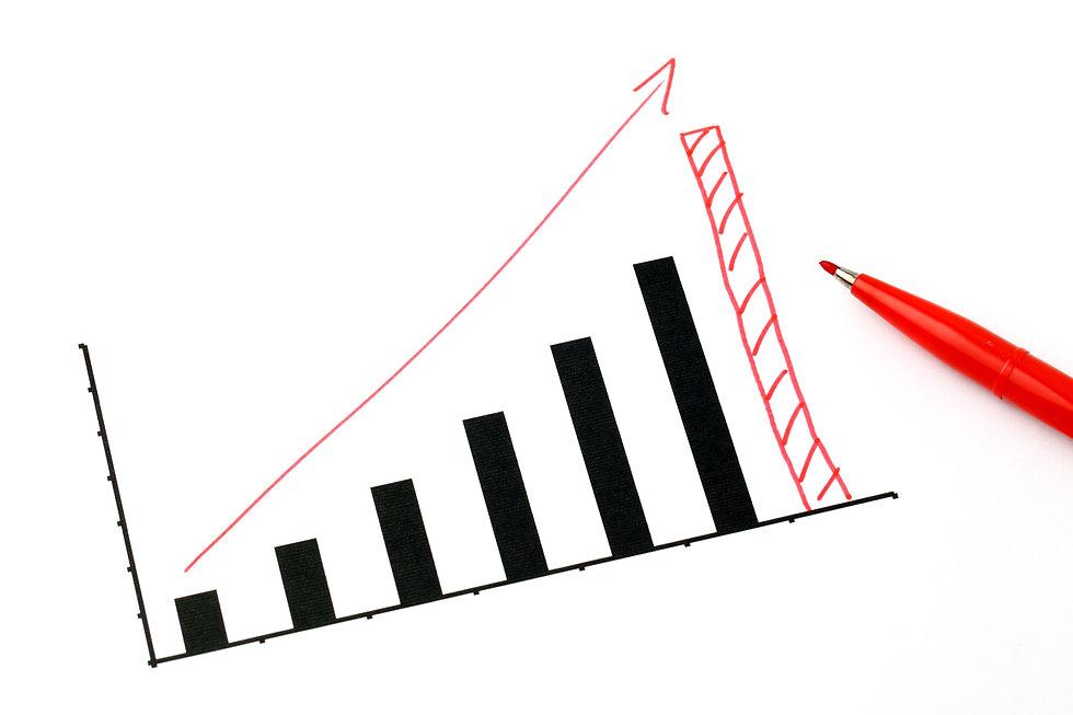 hand-drawing-business-graph-4BMZKLX.jpg