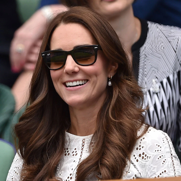 Pictures-Kate-Middleton-Wearing-Sunglass