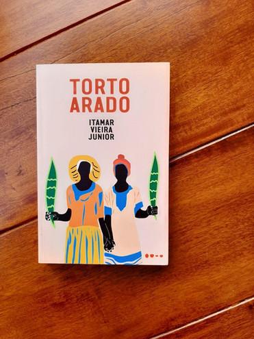 UMA VIAGEM À ÁGUA NEGRA: RESENHA DE TORTO ARADO, DE ITAMAR VIEIRA JR