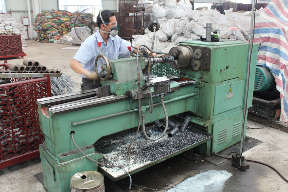 Roll-Threading Machine