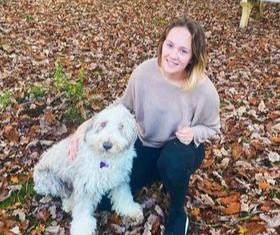 Waarom Manon een oudere hond adopteerde: Iroiske