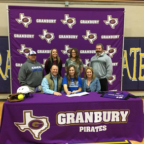 Everly Carey signs with Cisco College!
