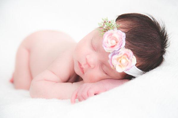 newborn-gabriella-lr-16.jpg