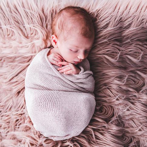 2018-08-26_Newborn_Gabriel-Edna-71-pixel