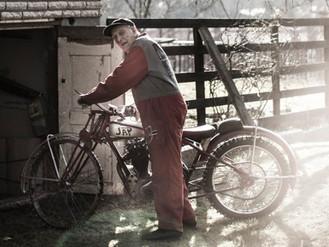 The world's oldest speedway rider