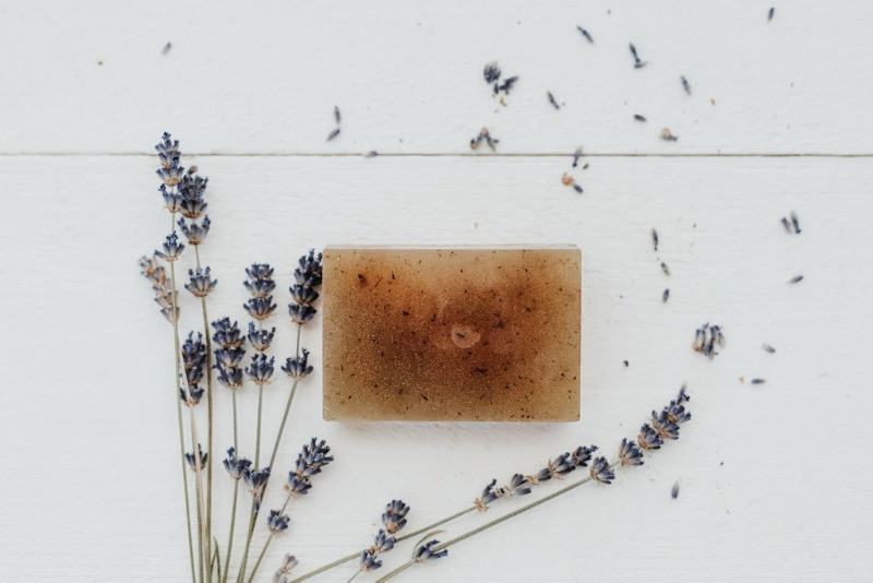 organic lavender essential oil