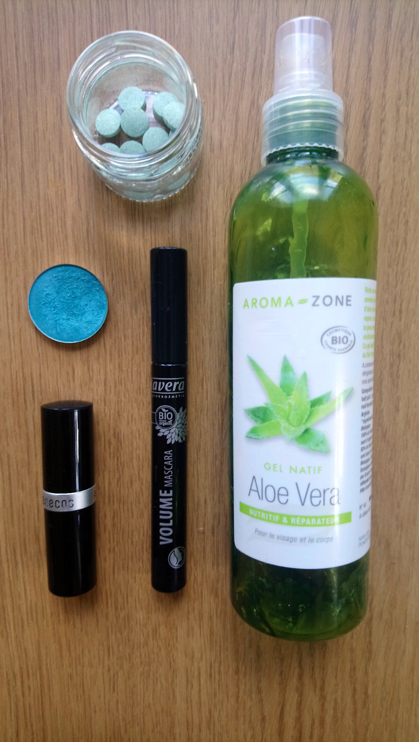 minimal waste travel beauty kit with vegan aloe vera, makeup and mouth wash