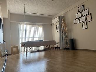 スタジオ内右壁面画像