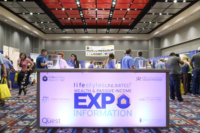 EXPO Lightbox
