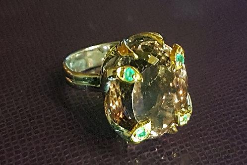 Перстень: Пурпур. Аметрин 2 цвета. Изумруд.925.Золото бел.17
