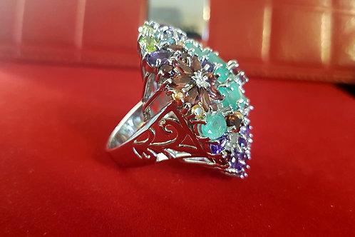 Крупное кольцо с изумрудом, аметистом,сапфиром, гранатом,перидотом