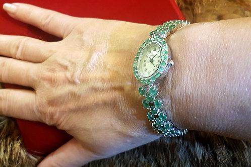 Изумрудные часы-браслет. Изумруды ААА класса.белое золото.серебро.