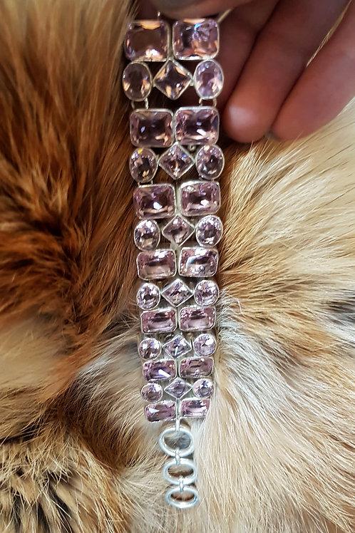 Серебряный браслет с мадагаскарским розовым кварцем