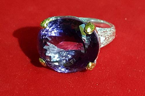 Перстень Аметист. 925. Золото.18.5 р