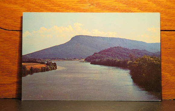 Tennessee River and Lookout Mountain, Chattanooga, Tennessee