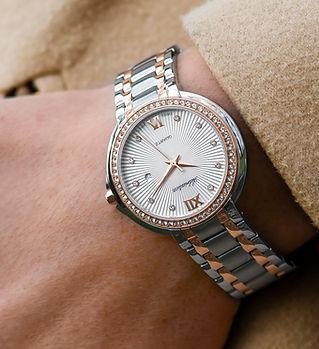 Orologio d'argento di lusso