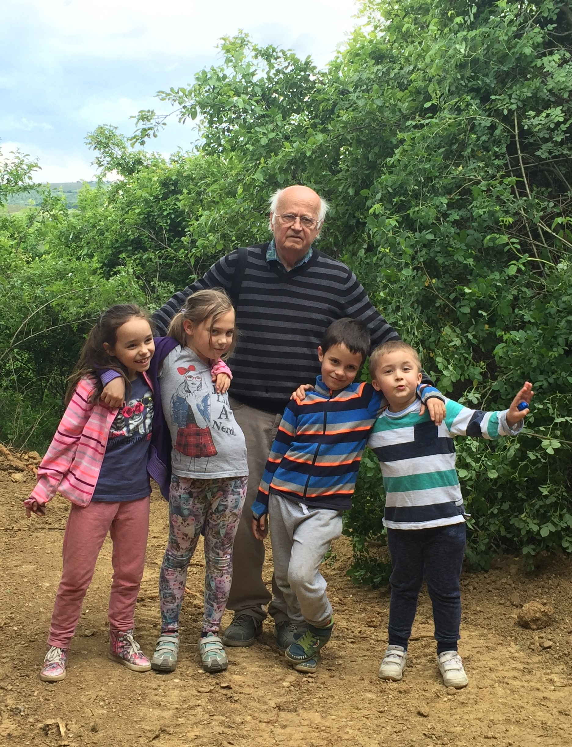 Dziadek with grandchildren 2017