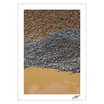 Brown Water with Grey Stones and Brown Stones | Enzo Razon