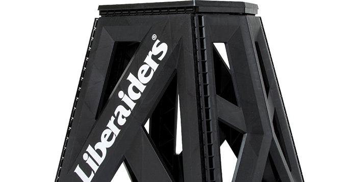 Liberaiders  holding stool