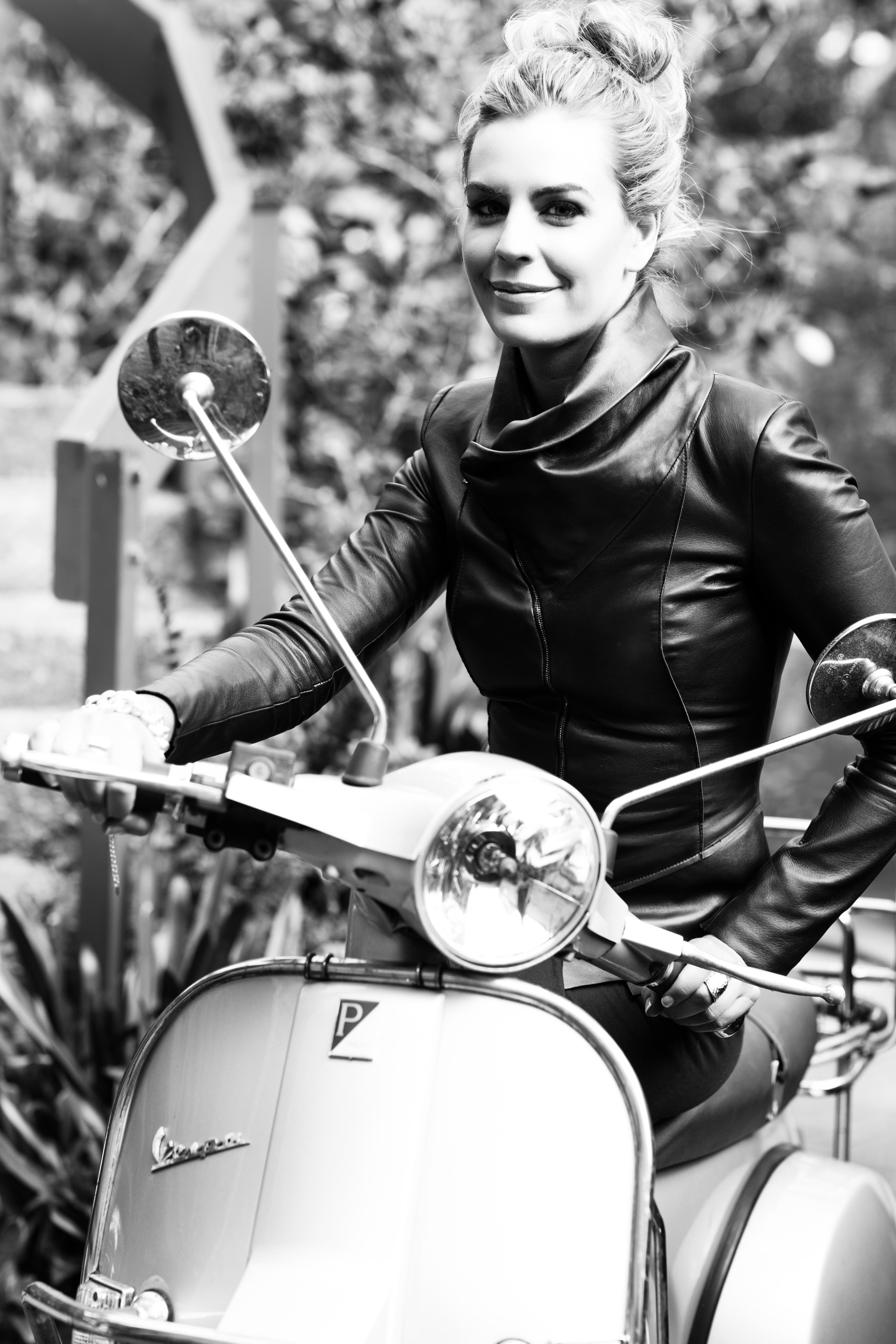 Kate Adams 1006
