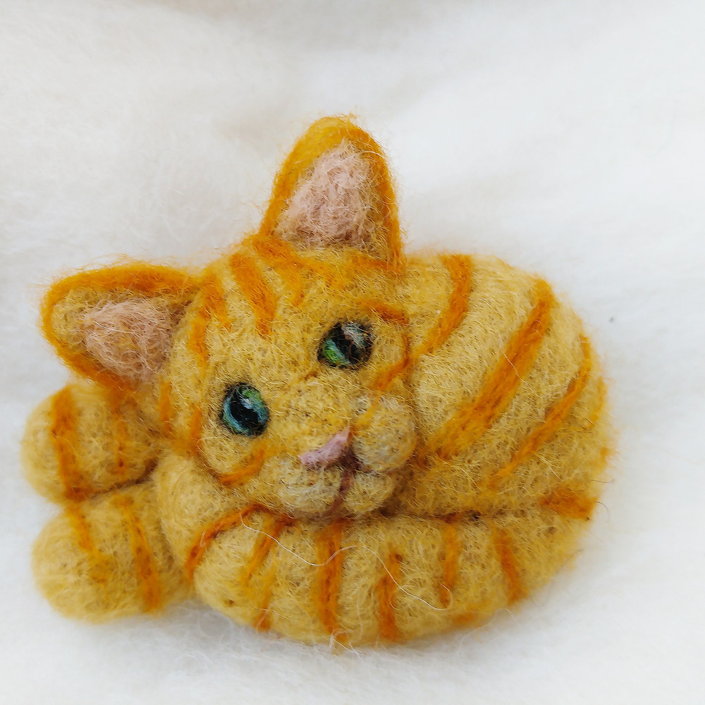 needle felt felted cat portrait