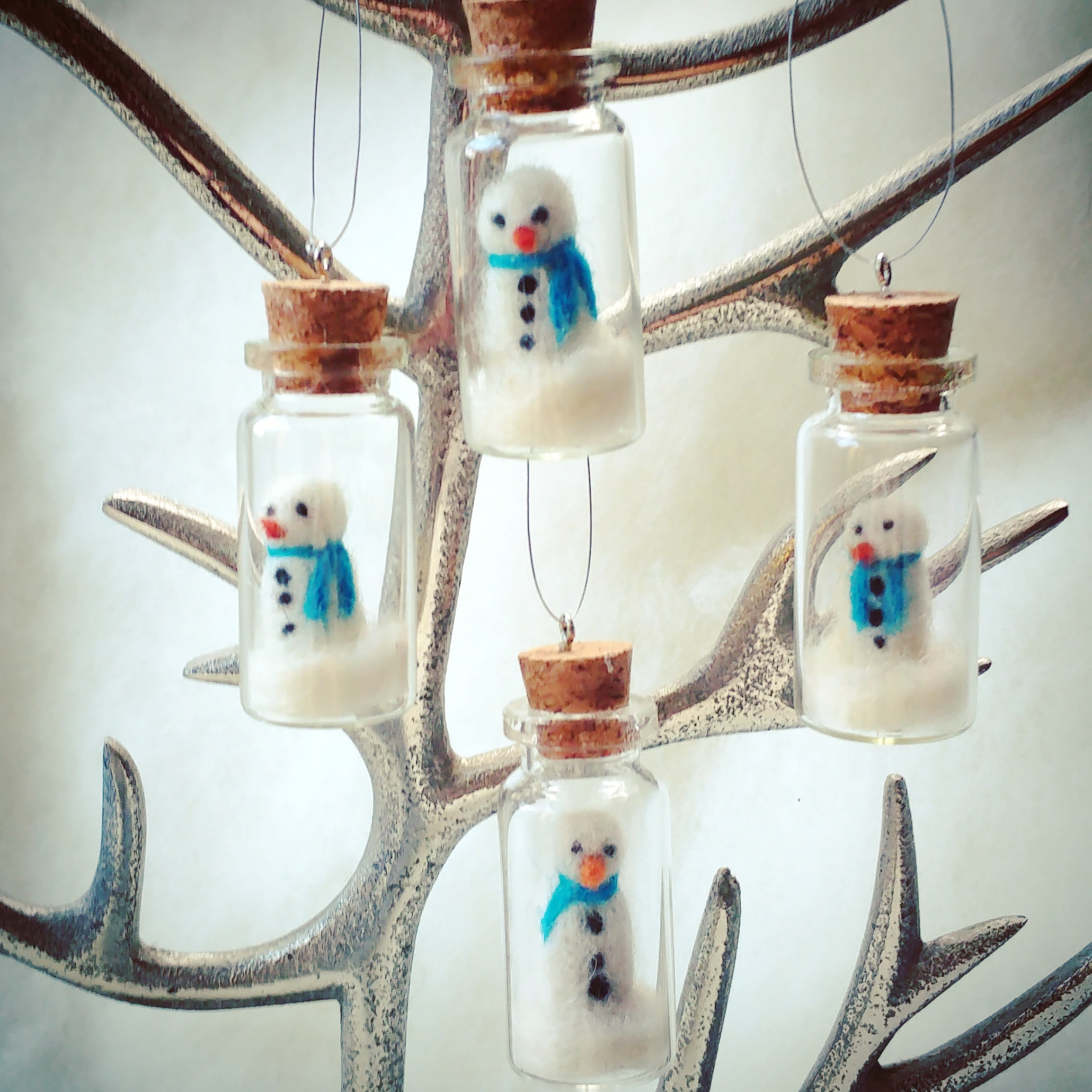 needle felt felted snowman glass
