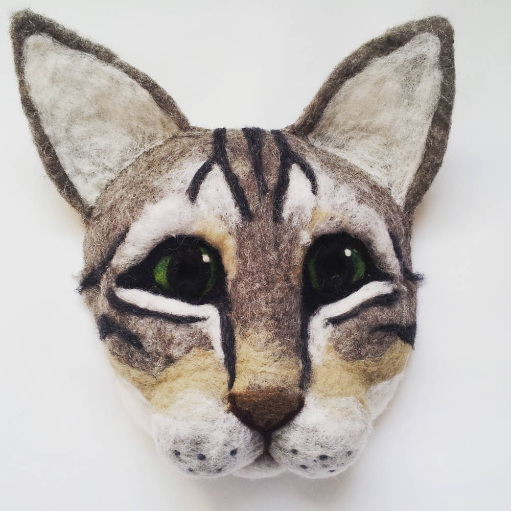 cat-mask-head-face-party-larp-vogue-magazine_apulina_felting_felted_animals_felt_miniatures_wool_dor