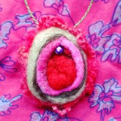 feminist-yoni-brooch-ornament-vulva-art-feminism-gift-me-too-international-womens-day_apulina_feltin